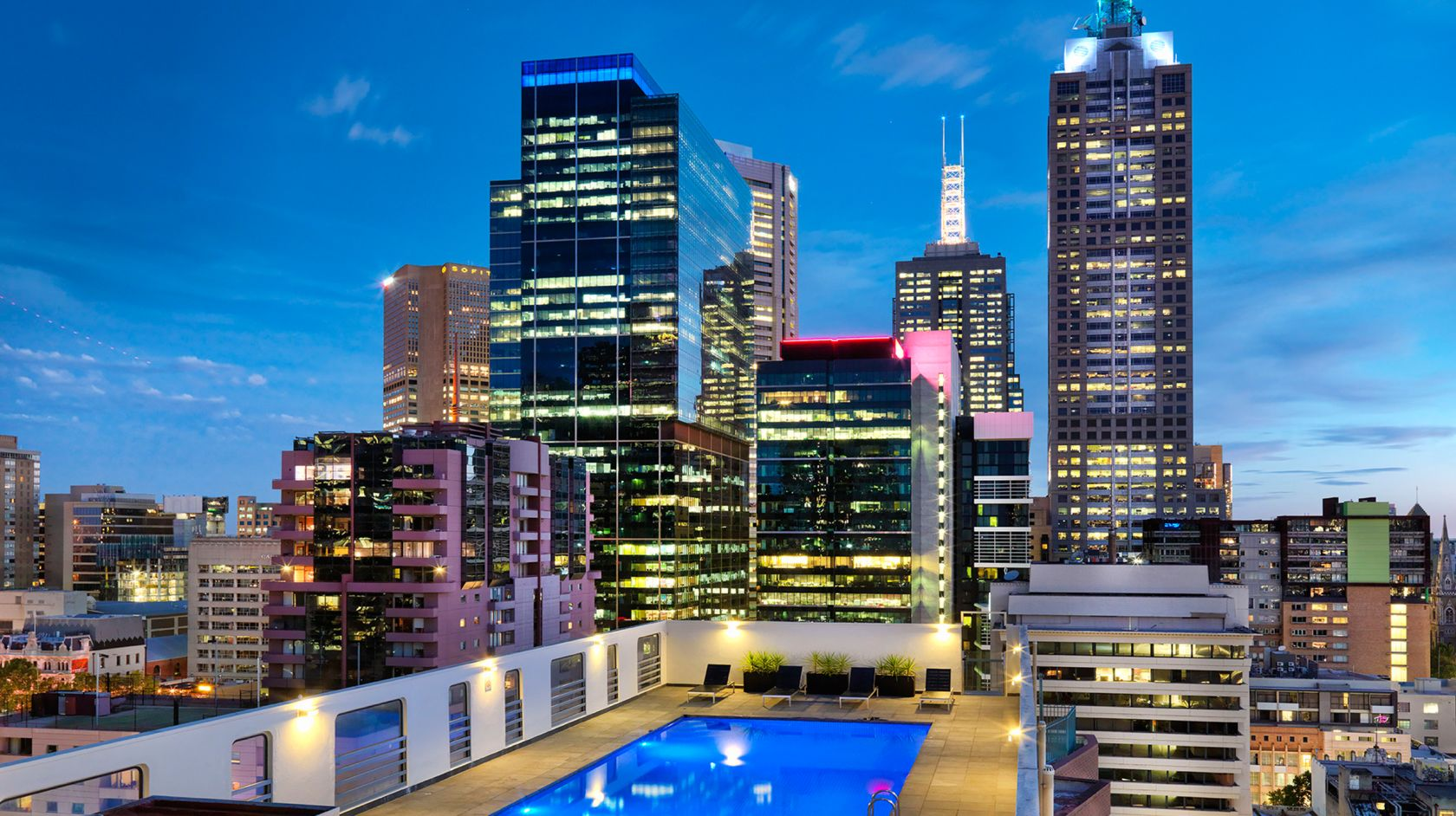 Fitness Room & Rooftop Pool | Grand Chancellor Melbourne