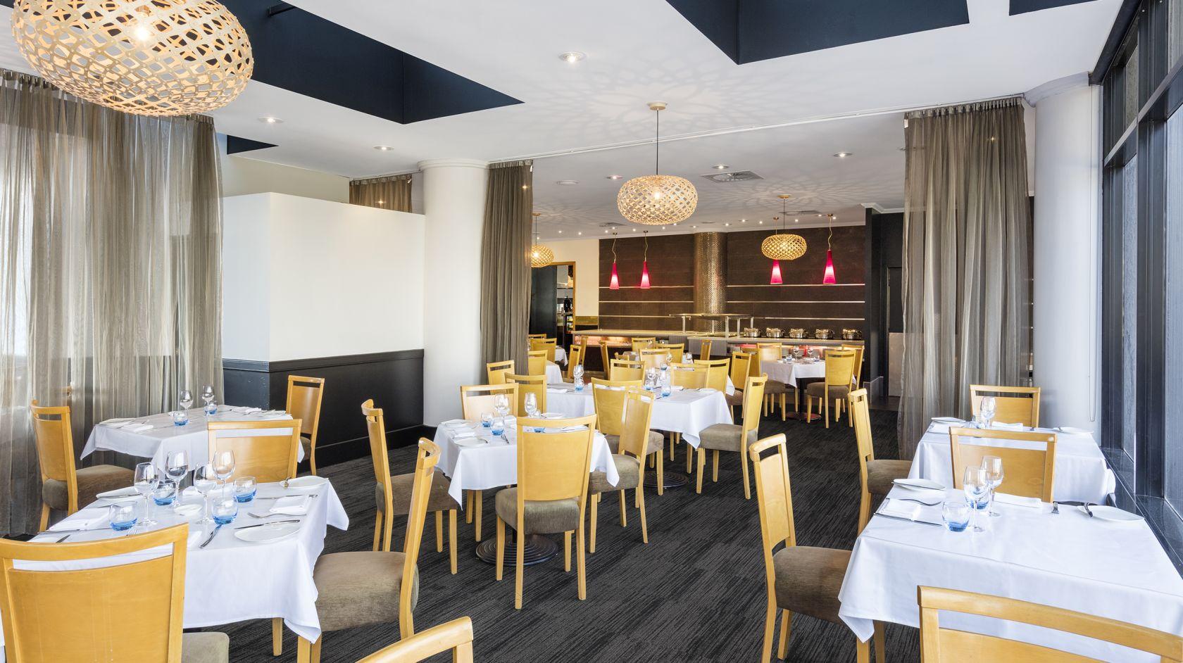 Brisbane Restaurant   Frescos in Hotel Grand Chancellor ...