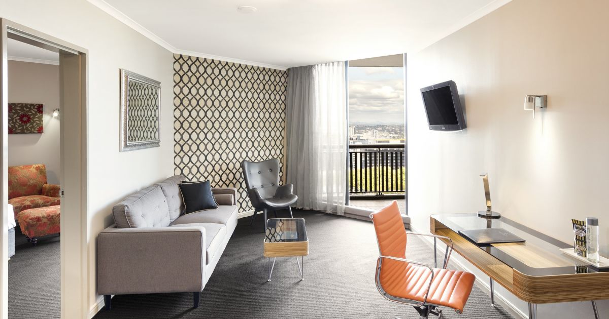 Brisbane Hotel Suites with Balconies   Hotel Grand Chancellor