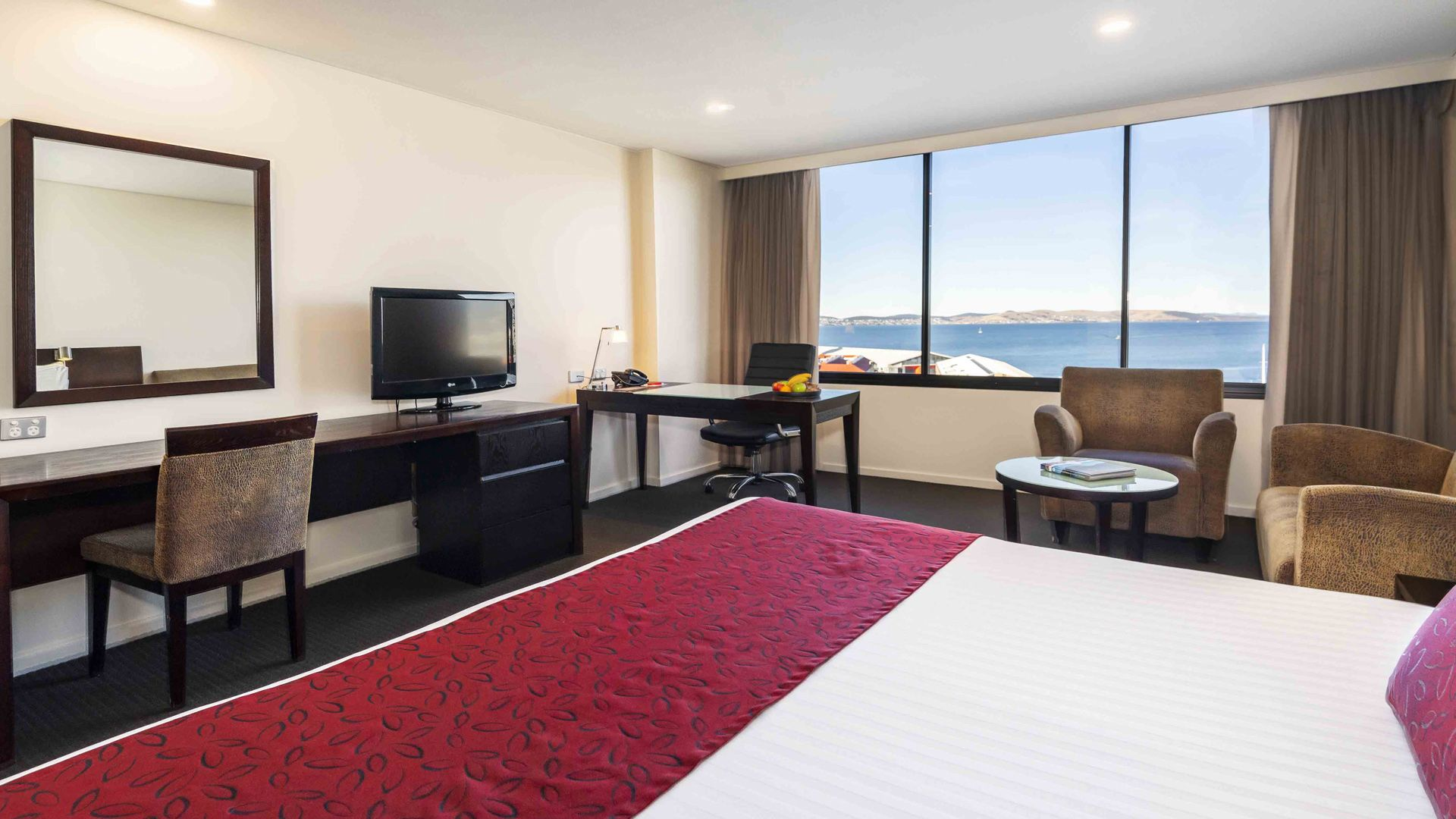Hobart Accommodation | Waterfront Views | Hotel Grand